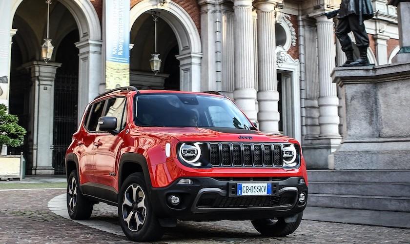 Jeep electrifica Renegade y Compass